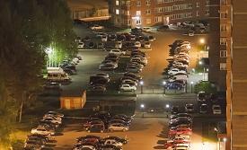 ВС РФ: жильцы многоквартирного дома не вправе использовать гостевую автостоянку во дворе дома для постоянной парковки своих автомобилей