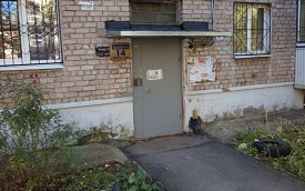 Ремонт козырьков подъездов дома по адресу ул. Бушмакина, 14