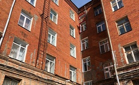 Многодетную семью из Перми выселили из квартиры за полумиллионный долг